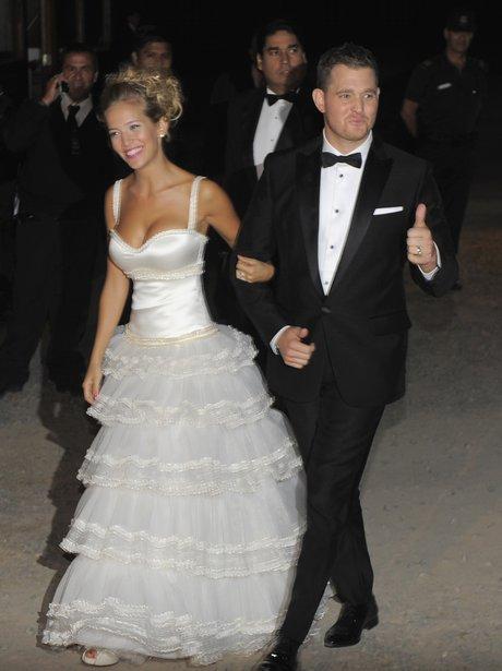 Michael Buble and Luisana Lopilato wedding picture