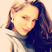 Kelly Brook shows off her natural beauty in this smiley selfie.
