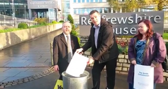 Renfrewshire councillors burn Smith Report
