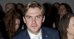 Dan Stevens - article