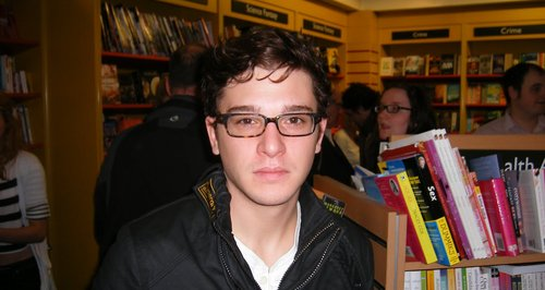 2009 Kit Harrington at book signing