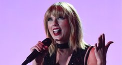 Taylor Swift Disappears off of social media